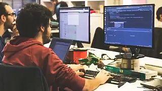 Szoftverfejlesztők munka közben