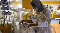 L'état de la malienne, mère des nonuplés jugé stable