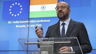 رئيس المجلس الأوروبي شارل ميشيل خلال مؤتمر إعلامي في نهاية قمة بين الاتحاد الأوروبي والهند عبر الفيديو