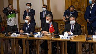 Kahire'deki görüşmelere, Dışişleri Bakan Yardımcısı Büyükelçi Sedat Önal ve Mısır Dışişleri Bakan Yardımcısı Büyükelçi Hamdi Sanad Loza başkanlık etti.