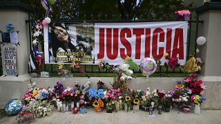 Homenaje a Keishla Rodríguez a las puertas de su casa en San Juan, Puerto Rico