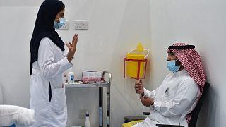 السعودية نيوز |      السعودية تشترط التطعيم من كورونا على العمال وتمنع الدخول إلى مقرات العمل دون إجراء اللقاح