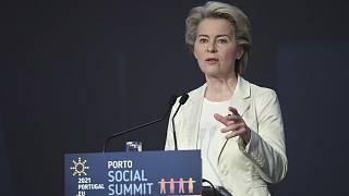 Ursula von der Leyen, la présidente de la Commission européenne, à Porto le 7 mai 2021