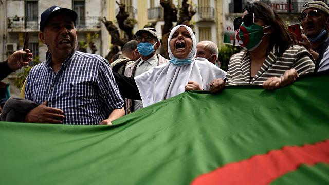 Algérie : le gouvernement durcit le ton face à la contestation