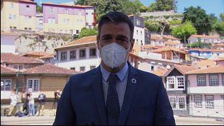 Pedro Sánchez propone ir más allá de la suspensión de patentes de vacunas.
