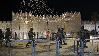 Kudüs'te Filistinliler ile İsrail polisi arasında gerilim artıyor