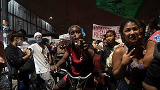 Brésil : la police de Rio sommée de rendre des comptes sur son raid sanglant