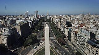 Буэнос-Айрес: Обелиск готовится ко дню рождения