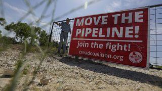 لافتة احتجاجية على مد خط انابيب للغاز بولاية تكساس الاميريكة. 02/08/2019