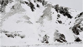 مقتل 7 أشخاص إثر وقوع انهيارين ثلجيين في جبال الألب الفرنسية