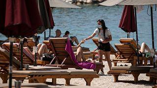 Başkent Atina'nın güney batısındaki Alimos plajı