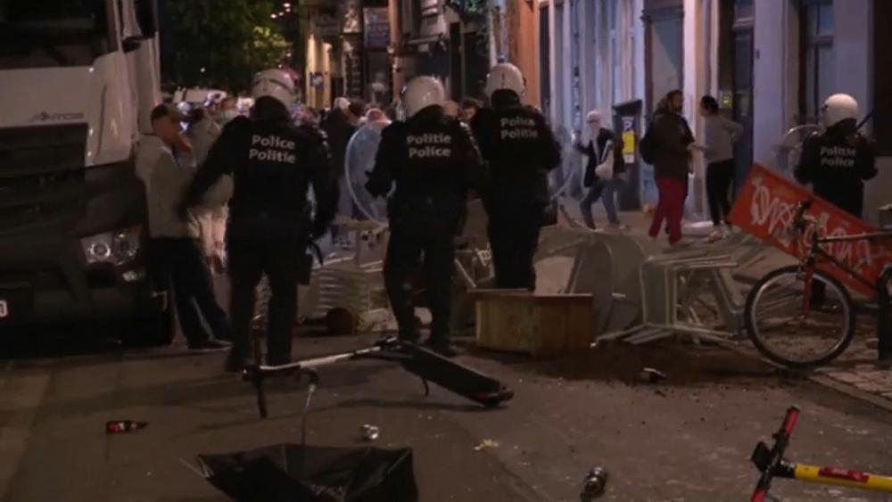Brussels police break up end-of-curfew celebrations