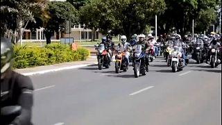 Bolsonaro circuló por Brasilia durante una hora con cientos de motoristas