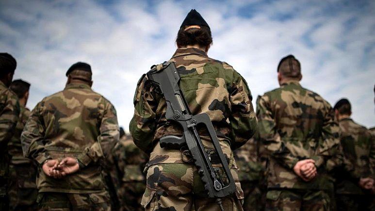 Fransız askerlerden Macron'a ikinci bildiri: Ülke sessizce iç savaşa hazırlanıyor