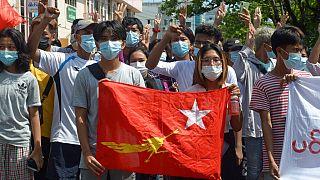 Myanmar'da sivil halkın protestoları askeri darbenin ardından 3 ay geçmesine rağmen devam ediyor.