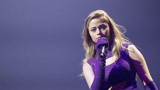 Η Στεφανία στην σκηνή της Eurovision