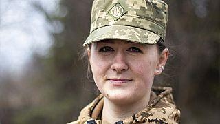 Ukrán katonanő