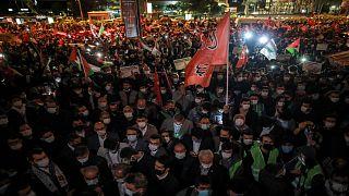 أتراك يتظاهرون في اسطنبول للتنديد بالانتهاكات الإسرائيلية بحق الفلسطينيين في القدس الشرقية 9 أيار/مايو 2021