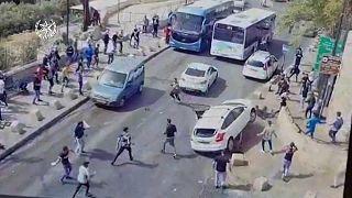 Водитель пытался увернуться от камней и врезался в палестинца