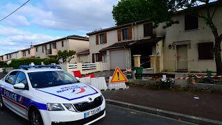 سيارة شرطة متوقفة خارج منزل في فرنسا- أرشيف