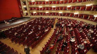 Újranyitott a milánói Scala