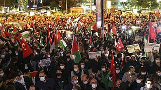 İstanbul'daki İsrail karşıtı gösterilerden bir kare.