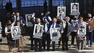 Los familiares de las víctimas de la masacre celebran el fallo de la sentencia