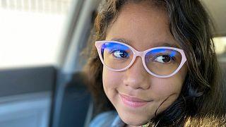 دختر مبتلا به بیماری «کودک حبابی»