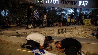 پناه گرفتن شهروندان اسرائیلی ساکن شهر رمله پس از حمله راکتی حماس