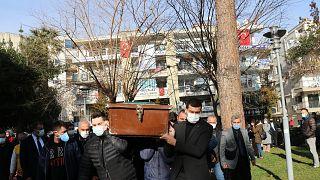 Covid-19'dan ölenlerin sayısı artıyor