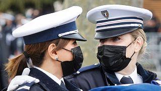 زنان پلیس فرانسوی (عکس تزئینی است)