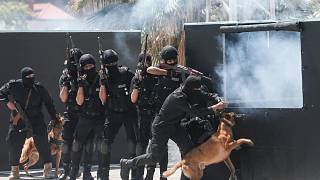 استعراض خلال حفل تخرج من أكاديمية الشرطة في مدينة غزة، 7 مايو 2020