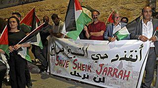 فلسطينيون في بيت لحم، بالضفة الغربية المحتلة، ينظمون احتجاجا تضامنا مع السكان الفلسطينيين في حي الشيخ جراح بالقدس الشرقية - 10 مايو 2021.