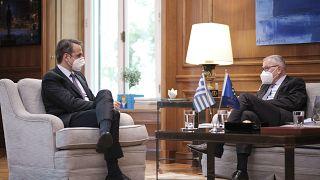 Συνάντηση του Πρωθυπουργού Κυριάκου Μητσοτάκη με τον επικεφαλής του Ευρωπαϊκού Μηχανισμού Σταθερότητας (ΕSM) Klaus Regling