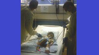 Buborékbaba-kóros csecsemő kezelése, UCLA, 2013 (illusztráció)