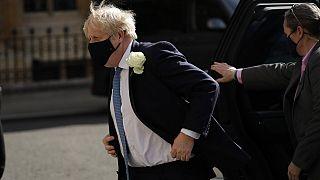 """Covid-19 : Boris Johnson promet une """"enquête indépendante"""""""