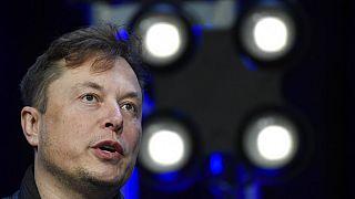 El multimillonario Elon Musk frena el uso de Bitcoin en Tesla, pero guardará su patrimonio de criptomonedas