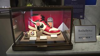 أكثر من 152 أألف دولار ثمنا لحذاء مايكل جوردان في مزاد سوذبي
