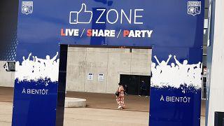 Impfen statt Fußball im Stadion in Lyon