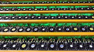 l'estrazione di bitcoin è criticata per l'enorme impatto ambientale