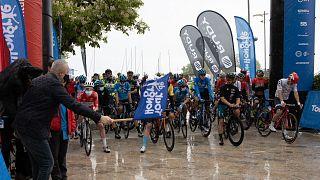 Zuhogó esőben indult a Tour de Hongrie második szakasza