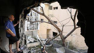 أضرار لحقت بعدد من المباني الإسرائيلية