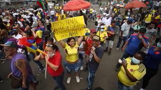 Visszatérnek otthonaikba a tüntető kolumbiai őslakosok