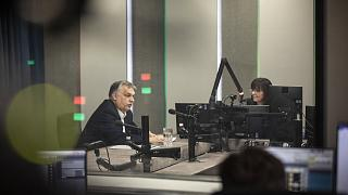 Kormányfői interjú az állami rádióban, márciusban