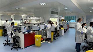 İngiltere'de laboratuvar çalışması