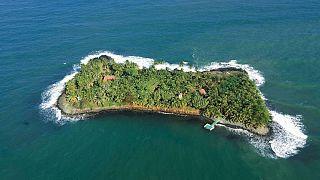 جزیره ایگوانا واقع در سواحل نیکاراگوئه