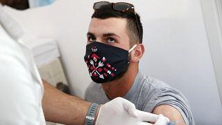 La vaccination se poursuit en Grèce