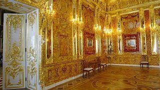 Отреставрированные интерьеры Янтарной комнаты