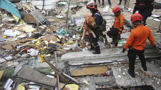 صورة من الارشيف - زلزال في ميوريودو بإقليم أتشيه بإندونيسيا
