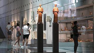 Επισκέπτες στο Μουσείο της Ακρόπολης